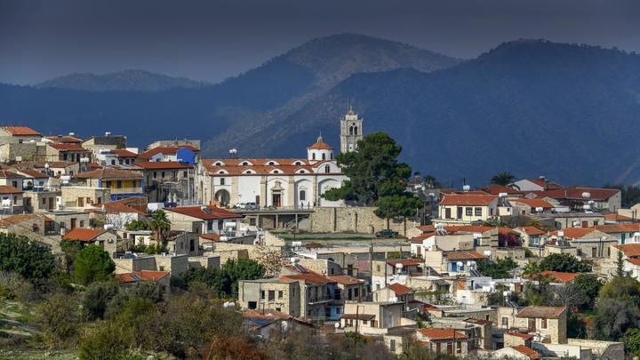 В категорию не входят: Из России можно будет улететь на Кипр, но только не туристам