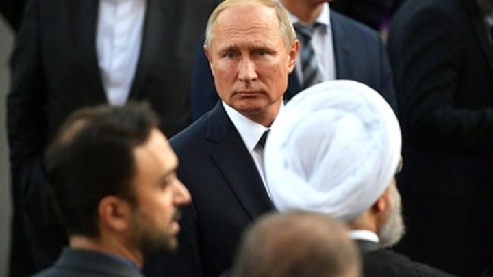 Страна, разодранная в клочки: Эксперт объяснил, о чем тонко намекнул Путин Киеву