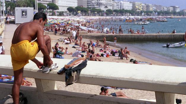 «Натали Турс» обещает туристам услуги вместо денег