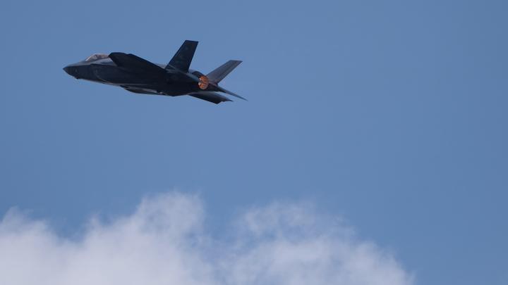 Безуспешная воздушная дозаправка F-35 угодила навидео