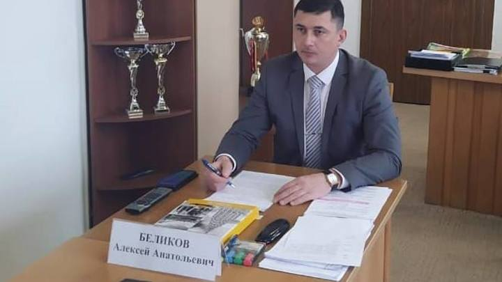 Силовики увезли главу Щербиновского района после обысков - Источник