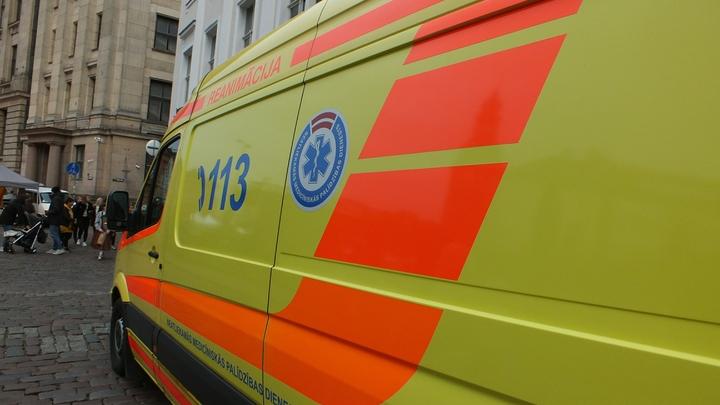 Пострадали 8 человек: В Петербурге маршрутка с пассажирами протаранила трамвай