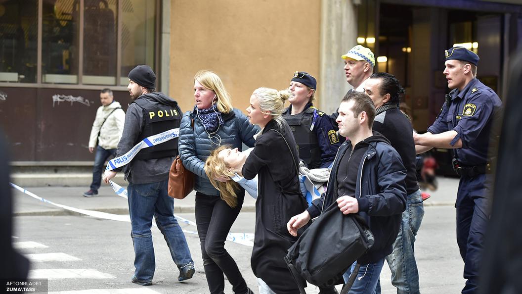 Премьер Швеции: Наезд грузовика в Стокгольме был терактом