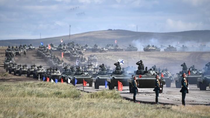 Ва-а-а!: Испанцы, увидев учения русских, призвали военных проснуться