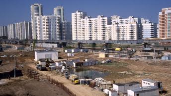 Власти Москвы утвердили адреса первой сотни стартовых площадок по реновации