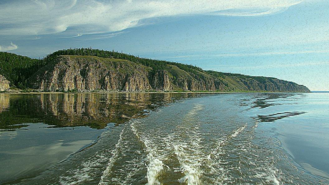Лодка с судьями и приставами перевернулась на реке Лене
