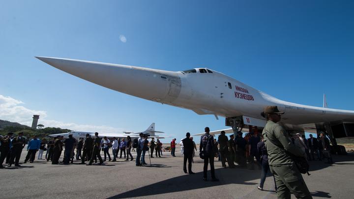 Обратите внимание на свою полувековую рухлядь Б-52: Эксперт ответил американцам после оскорблений белых лебедей