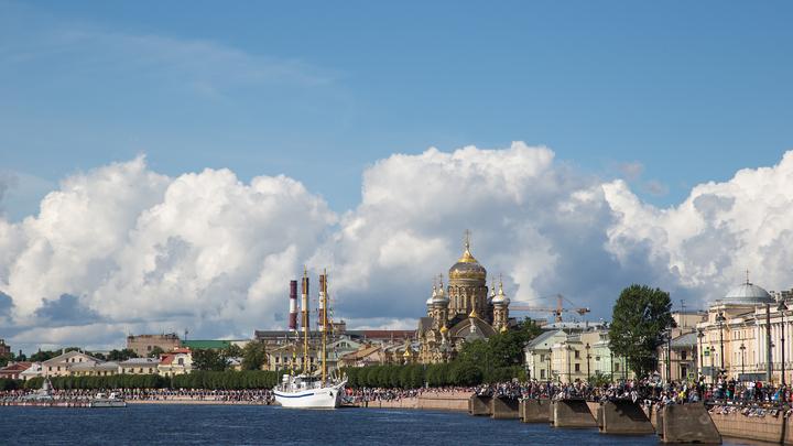 Угроза наводнения миновала: В Санкт-Петербурге снова открыли дамбу