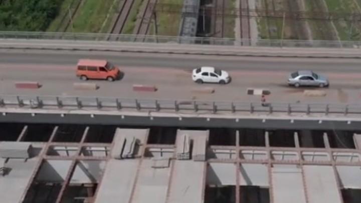 Ростовчане жалуются на пробки после открытия моста Малиновского для легкового транспорта