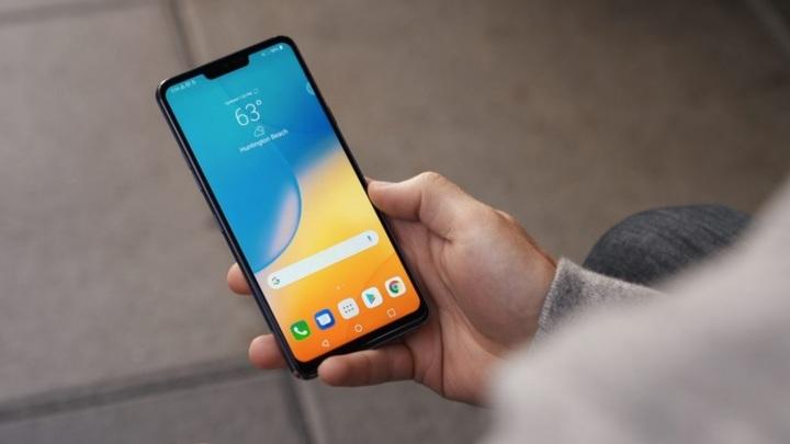 Кто больше? LG оснащает свои смартфоны многочисленными камерами