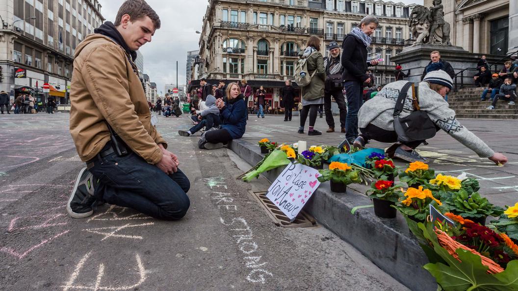 Теракты парализовали Европу