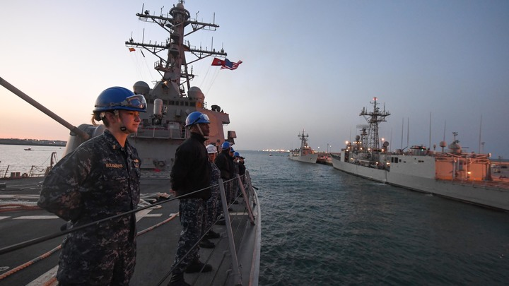 История повторяется: Разбомбивший авиабазу Шайрат эсминец США вновь идет к берегам Сирии
