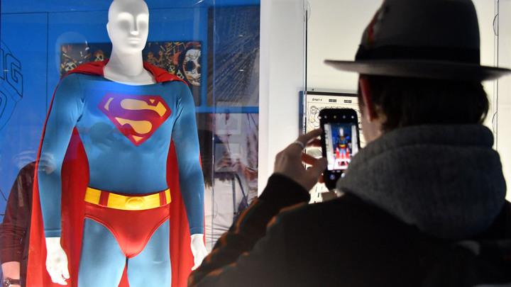 Американская киностудия отправит Супермена в советский колхоз