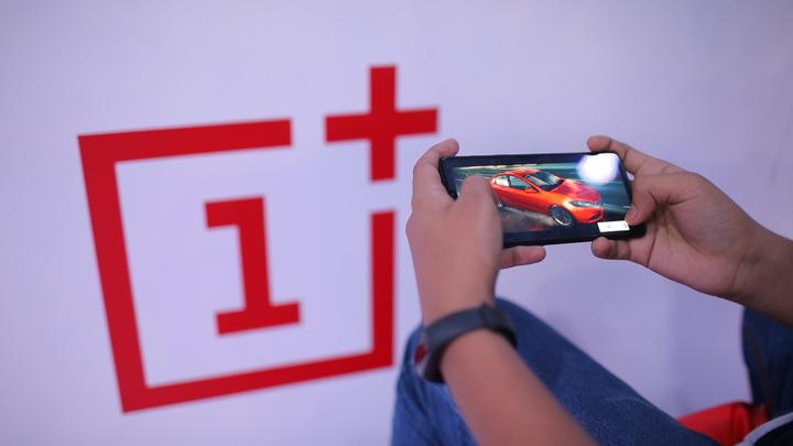 Китайцы обогнали Apple в американском журнале: Опубликован рейтинг лучших смартфонов этого года