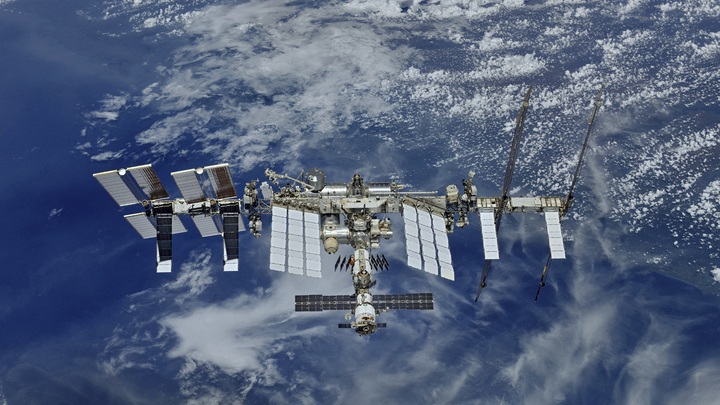 Комиссия во главе с Рогозиным одобрила пуск новой экспедиции к МКС с Байконура