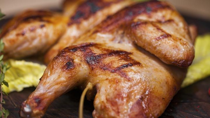 Жиры не спасут от COVID-19: Гастроэнтеролог и диетолог поспорили из-за зимней диеты