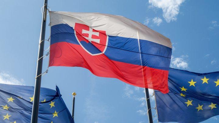 Русским дипломатам в Словакии дали неделю, чтобы покинуть страну