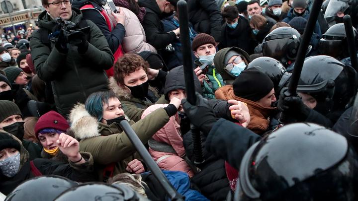 Всю Россию поставили на зеро: К чему демократия и свобода привели в прошлый раз?