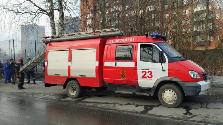 В Красногорске загорелся автосервис
