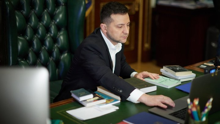 Зеленскому может показаться…: Украина начала игру на обострение - мнение эксперта