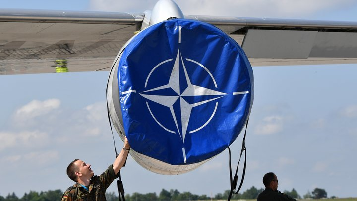 Грушко: НАТО возрождает схемы холодной войны для противодействия России