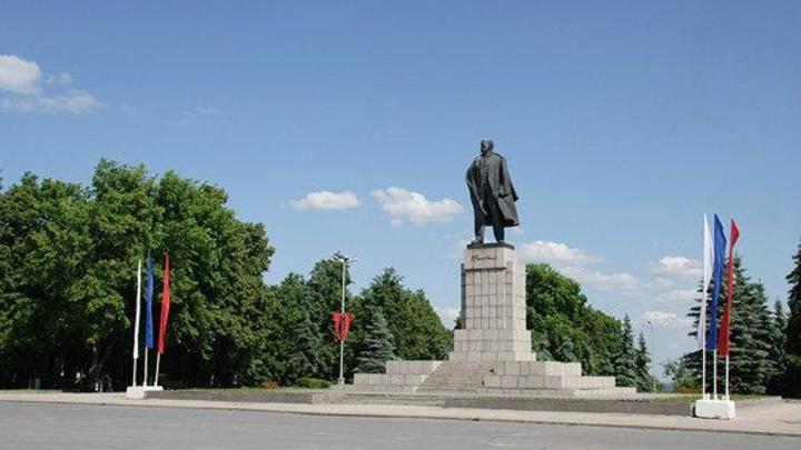 Главная площадьУльяновска избавилась от имени Ленина