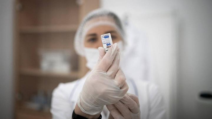 В поликлиники Подмосковья поступило 225 тысяч доз вакцины против коронавируса