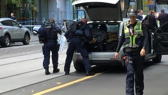 Число жертв наезда на толпу в Мельбурне продолжает расти: Медики сообщают уже о 15 пострадавших