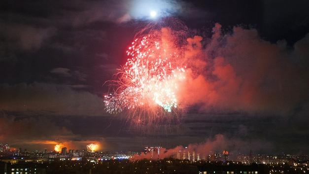Это было зрелищно: День Победы отгремел в России праздничными салютами