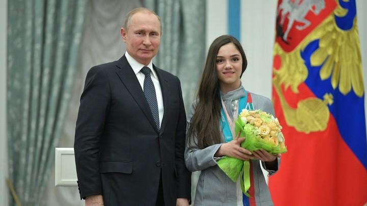 Медведева попросила Путина продолжить колоссальную поддержку спорта в России
