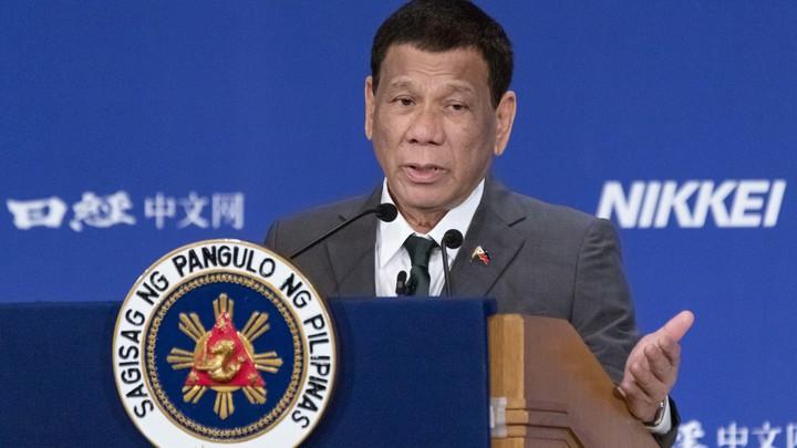 Если есть оружие...: Президент Филиппин разрешил гражданам калечить коррупционеров