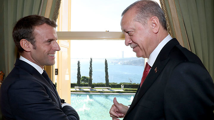 «Сладкая парочка». Макрон и Эрдоган разваливают НАТО