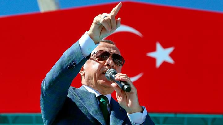Не будет туристов – будем рыть канал. Эрдоган тянет Турцию в великие державы