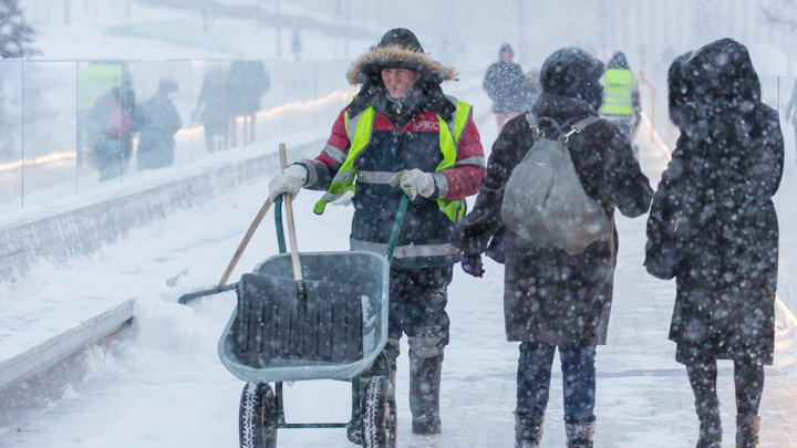 Зима не хочет уходить: Ночью в Москве ударит мороз