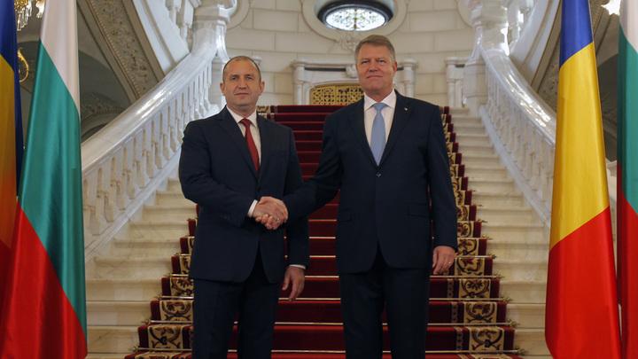 Президенты Румынии и Болгарии призвали сохранять каналы связей с Россией
