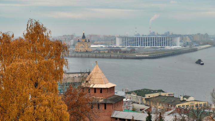 Театральную лестницу в Нижнем Новгороде отремонтировали и украсили подсветкой