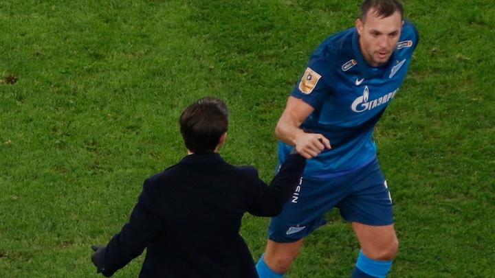 Пожали друг другу руки: Артем Дзюба вновь стал капитаном «Зенита» после скандала с личным видео