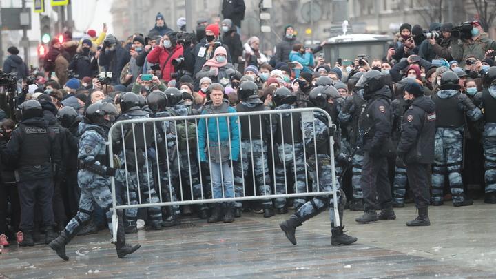 Четыре шага восстания школьников: Кто обманул наших детей и при чём тут дворец Путина