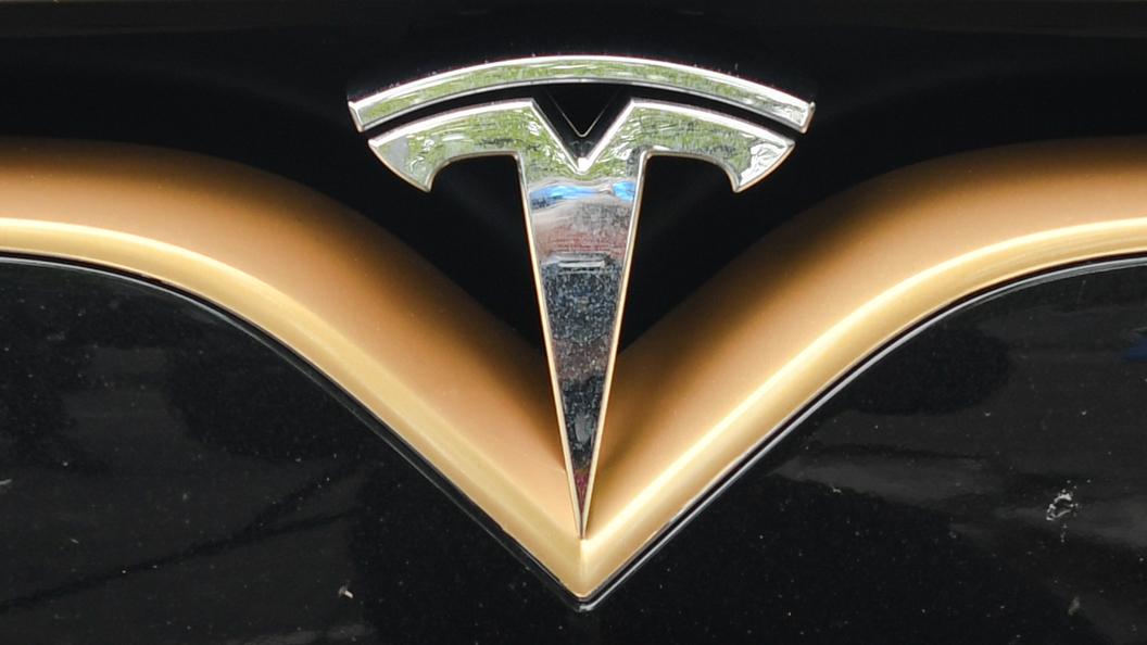 Tesla официально подтвердила проблему стормозами уModel 3
