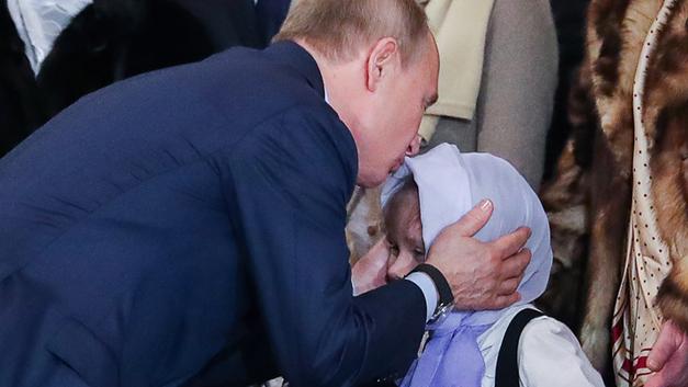 Путин – детям: Полёт на вертолёте, экскурсия на борт №1 и собаки