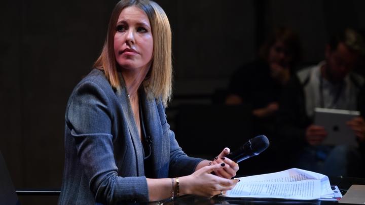 Отбирает хлеб у Ахеджаковой: Собчак извинилась за русских в эфире CNN