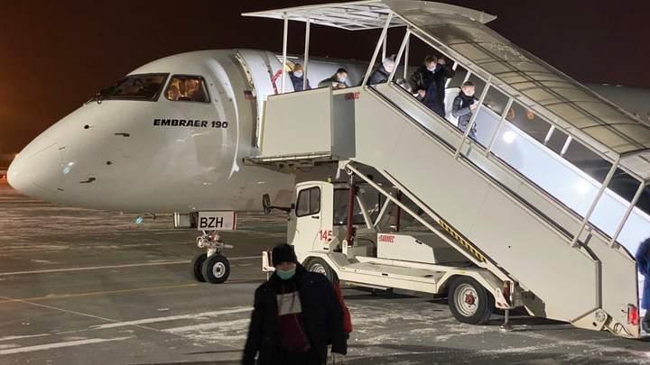 В Челябинске пассажир самолета задержан полицией за дебош на борту