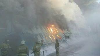 В Томской области горит колония
