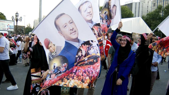 Эрдоган рассказал, как за сутки уничтожил мятежников, готовивших переворот 40 лет