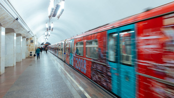 Неисправный состав заблокировал движение на салатовой ветке в метро Москвы
