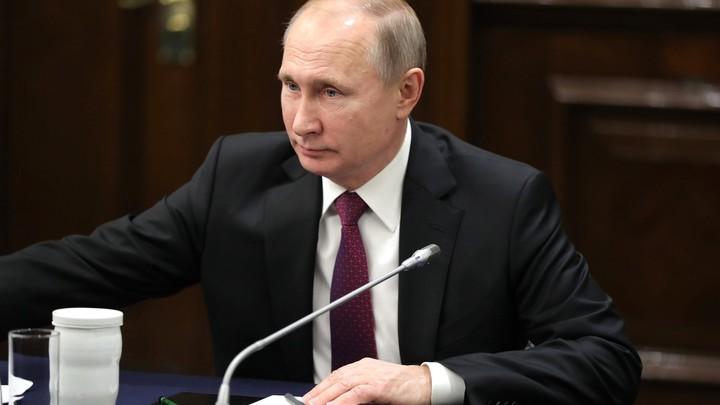 В День дипработника Путин присвоил ряду дипломатов новый ранг