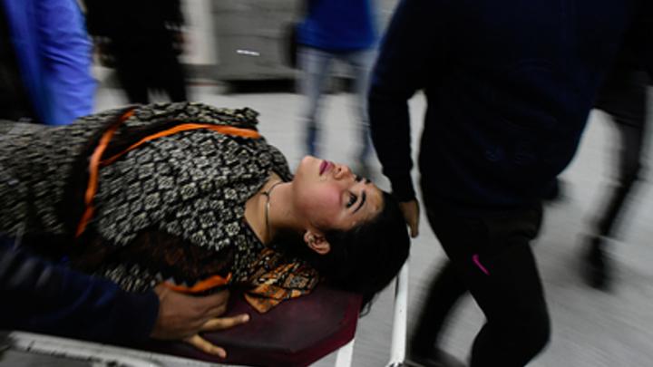 Сгорали заживо целыми вагонами: В Пакистане массово погибли пассажиры поезда