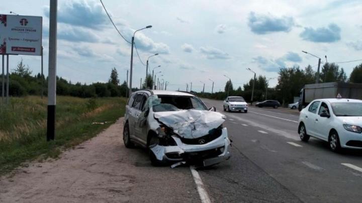 В Ивановской области китайский кроссовер протаранил Газель и ПАЗик