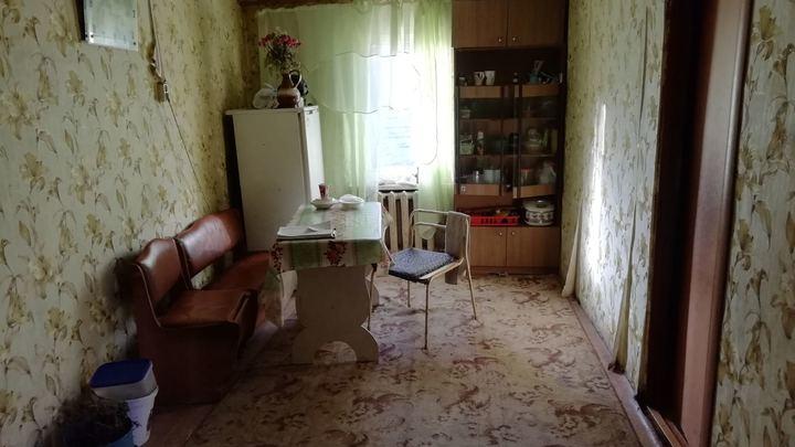 Тольяттинец превратил квартиру в «резиновую» за водку и сигареты