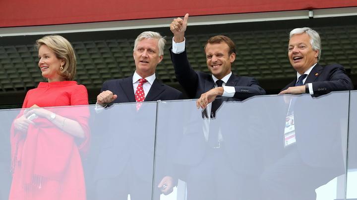 Макрона— поздравил, короля— утешил: Путин побеседовал с 2-мя лидерами после футбола